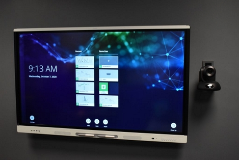 interactive smart board with live streaming